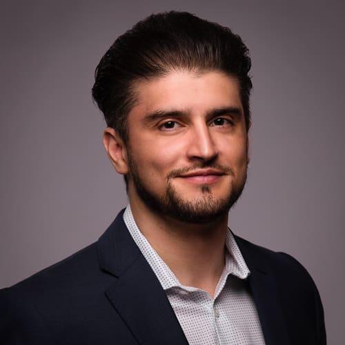 Dr. Elmar Gardizi